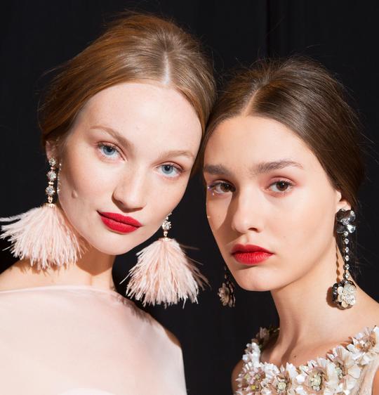 SS18 makeup - red lips, minimal makeup, pastel clothing