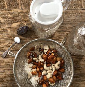 Ready to blitz vegan nutmylk ingredients